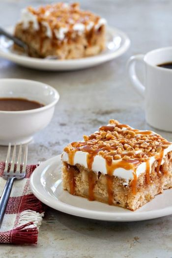 poke-cake-caramel